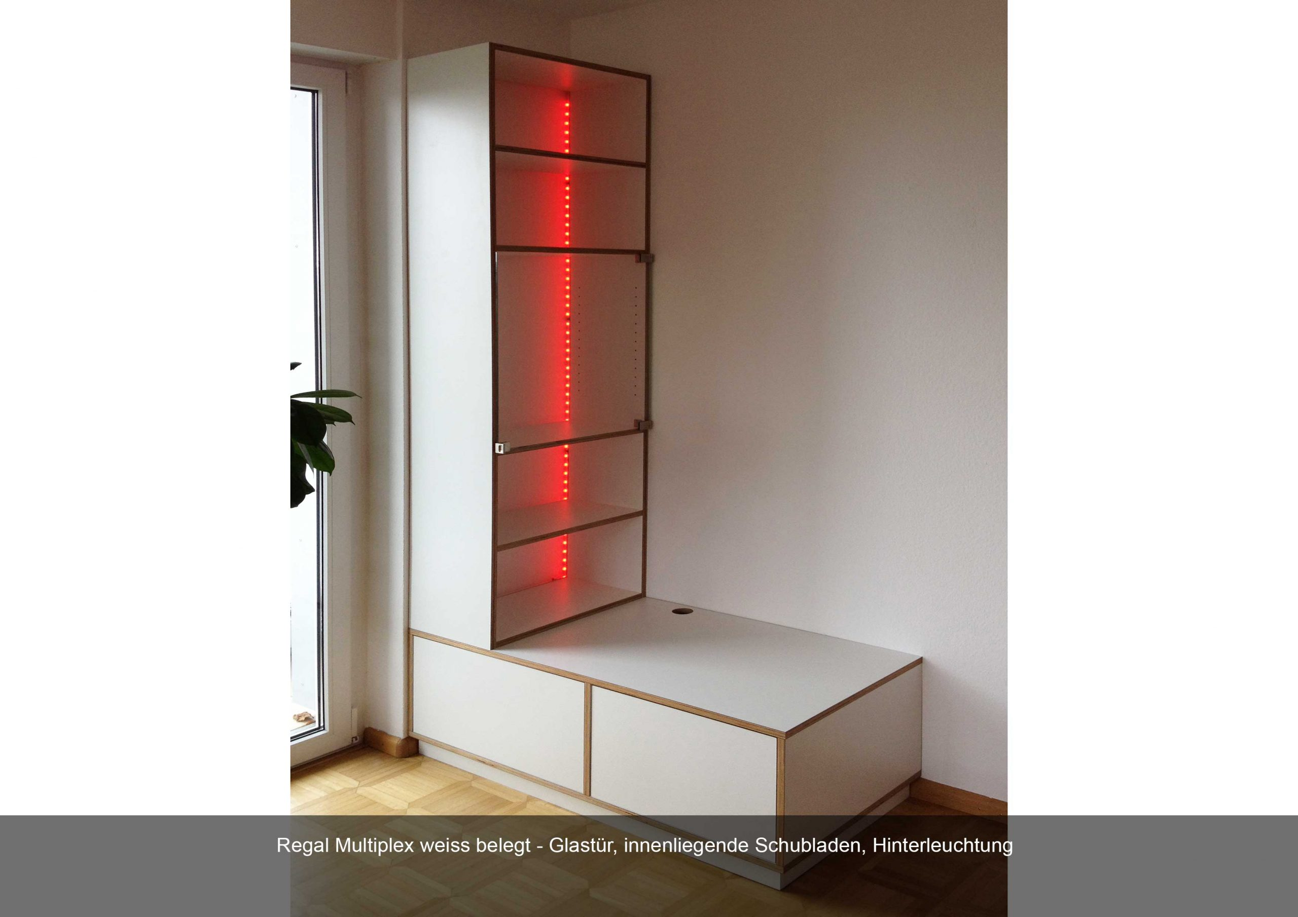 Regal Multiplex weiss Glastür Hintergrundbeleuchtung inneliegende Schubladen