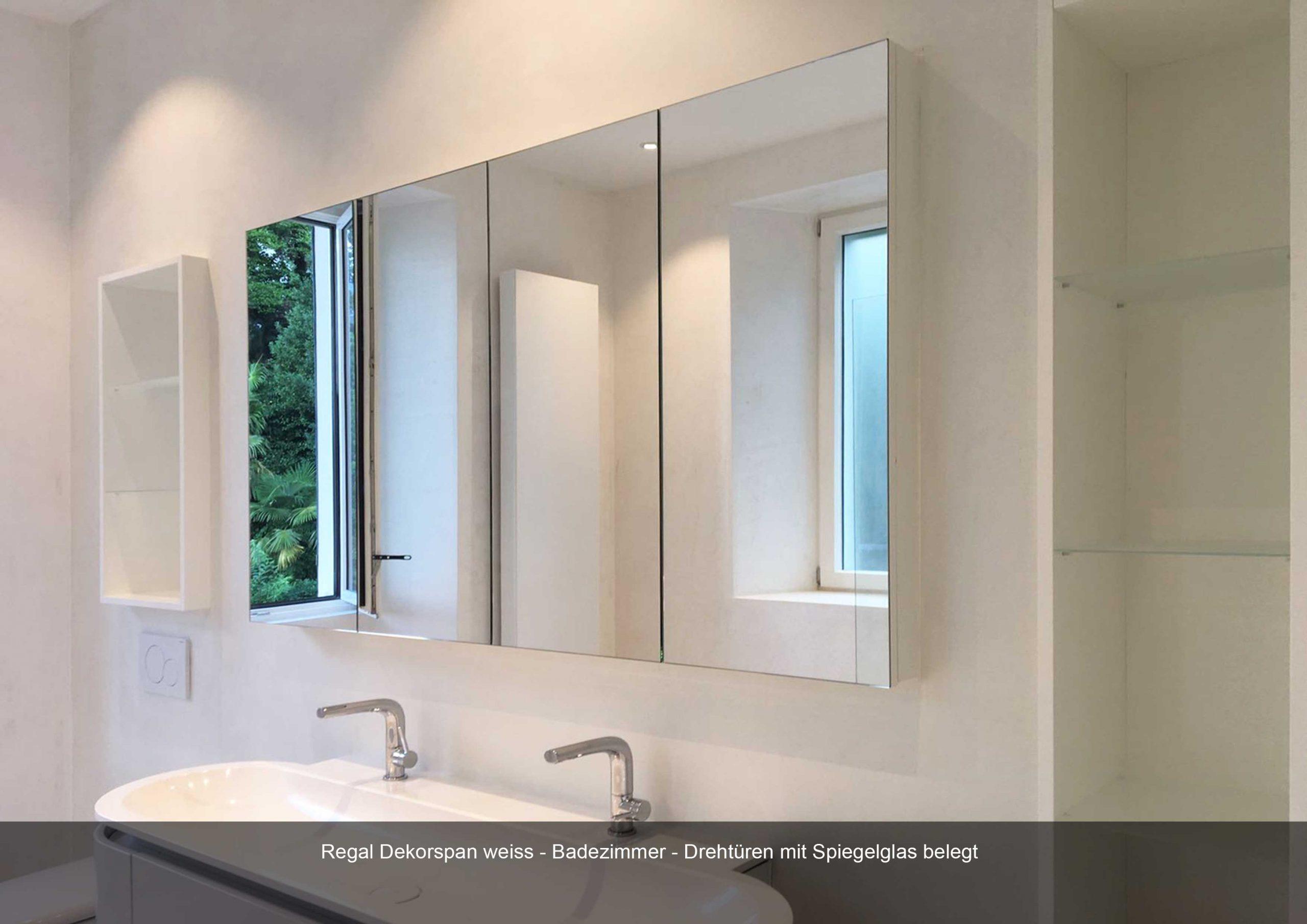 Badezimmer Regal weiss Spiegelglas Drehtüren Dekorspann